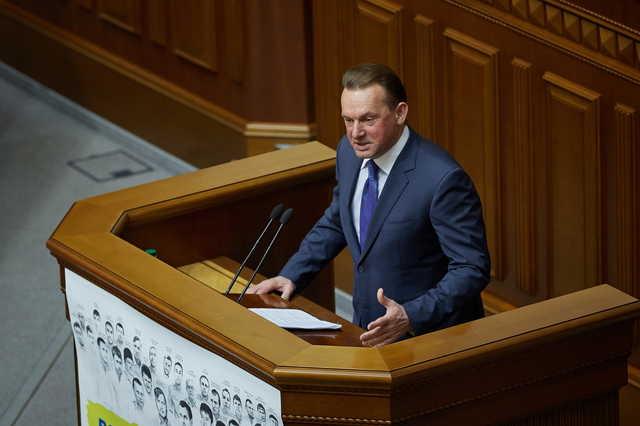 Александр Беловол: удобный депутат для любой власти?
