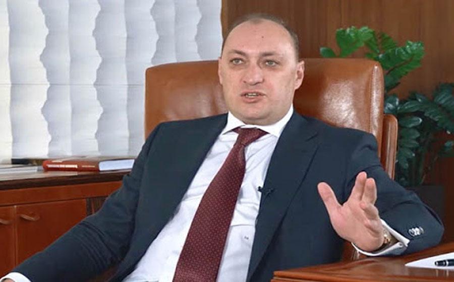 Банкир Денис Киреев, уволенный за финансовые махинации, рвётся к государственной кормушке