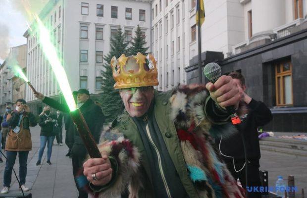 Первый миллиард Степанова. Активисты вышли под Офис президента с требованием уволить главу Минздрава