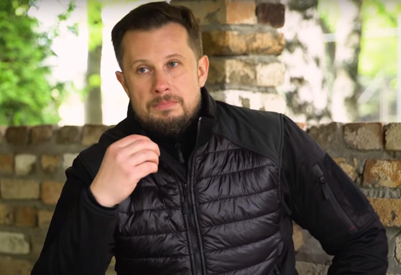 Глава Нацкорпуса Билецкий скрыл из декларации семью и живет в квартире отца